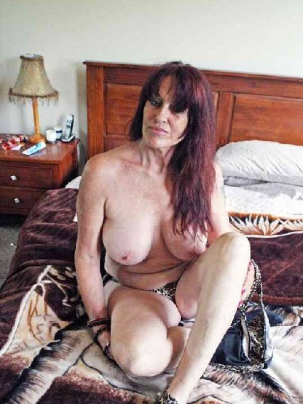 Photo 2 / 5 of Lovely mature lady