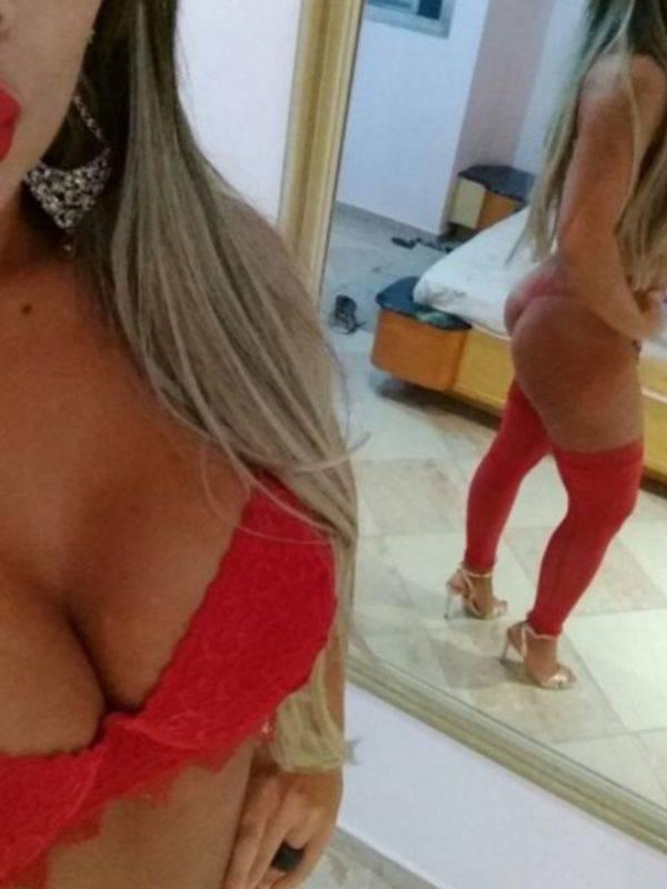 Photo 4 / 5 of Izabela Brazilian Model