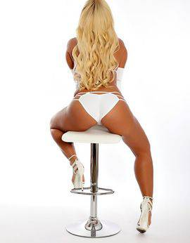 View Busty Blonde Bombshell, Perth Escort | Tel: 0433559619