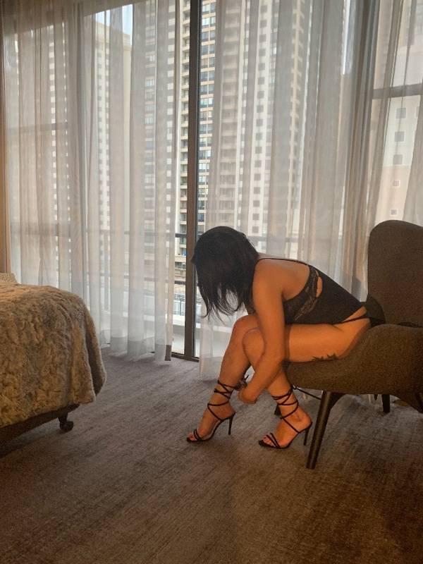 Photo 8 / 9 of Aussie Ella Aziz