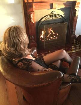 View Mature and Real, Perth Escort | Tel: 0416518496 TEXT ONLY PLEASE
