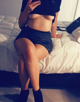 View Crystal, Melbourne Escort | Tel: 0407809582