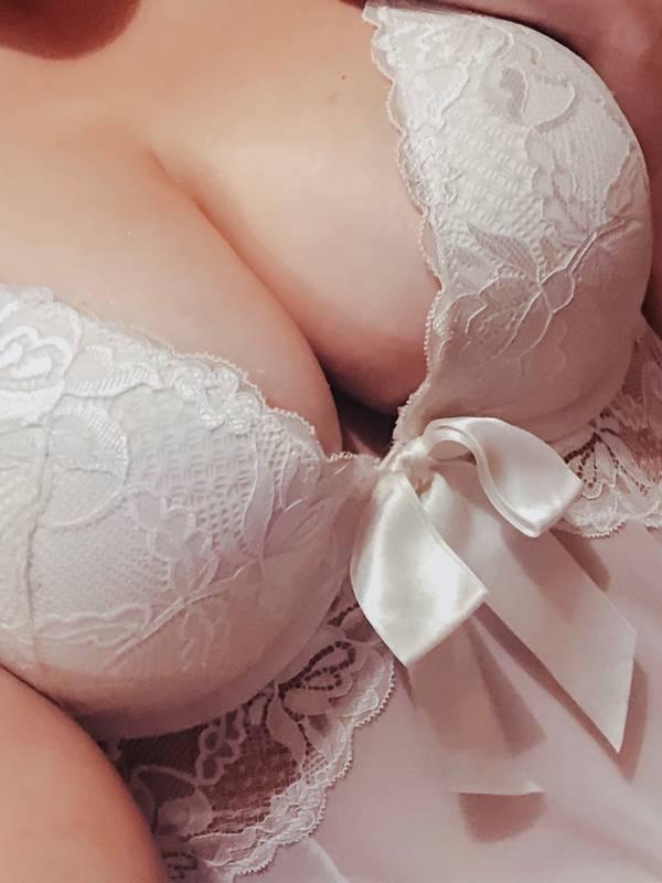 View Scarlett Amore, Melbourne Escort   Tel: 0481003514