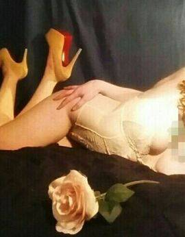 View Lilly, Sydney Escort | Tel: 0475 436 621