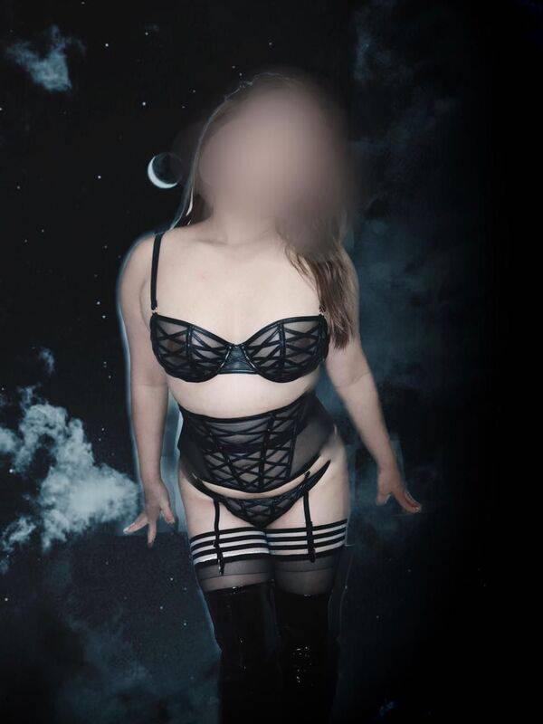 View New! Mistress Mai - Private, Sydney Escort | Tel: 0477210638
