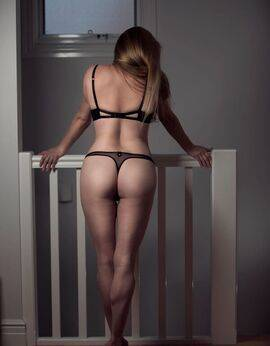 View Ivory Blush, Perth Escort | Tel: 0487204019