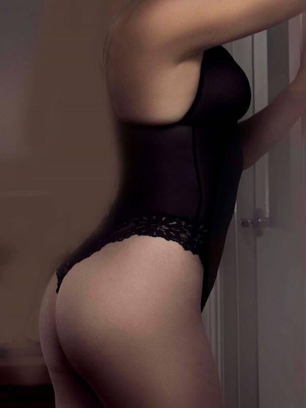 Photo 4 / 6 of Ivory Blush