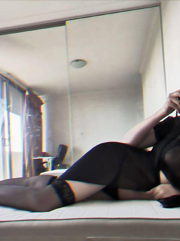 Photo 2 / 4 of Aussie Mistress Selena