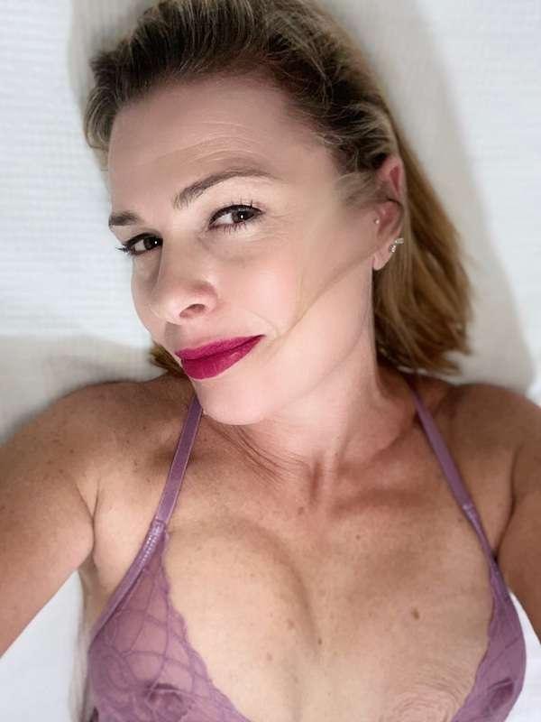 Photo 11 / 13 of Sexy Friendly Fun MILF 42
