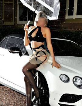 View Vivienne West, Sydney Escort | Tel: 0431140572