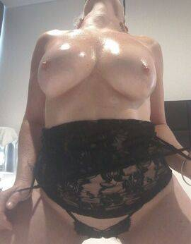 View Lily-Rose Loves To Please, Gold Coast Escort | Tel: 0434 105 982