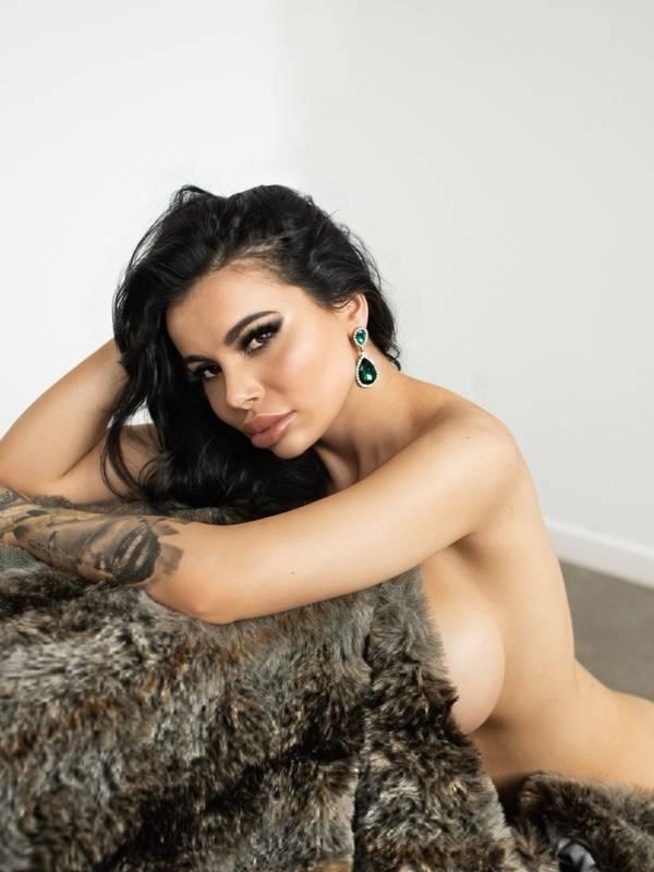 Photo 11 / 17 of Miss Layla Azar