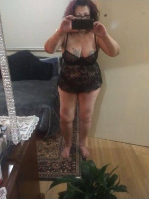 Photo 3 / 5 of Zoey 69