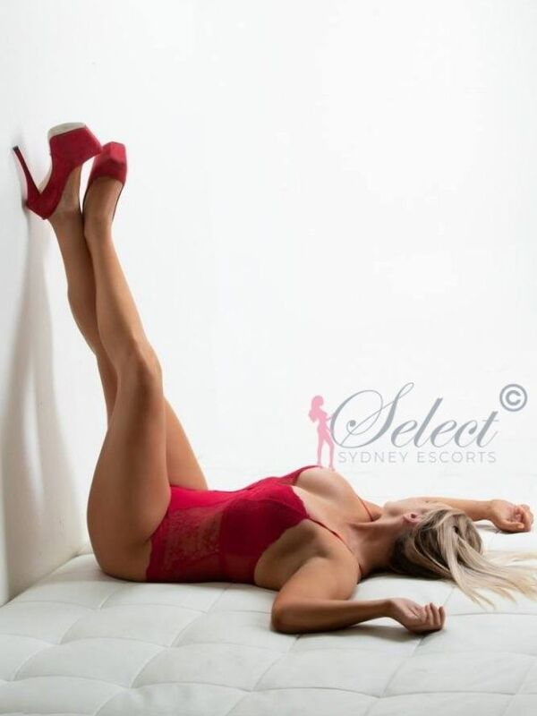 Photo 2 of Sexy Blonde Bombshell