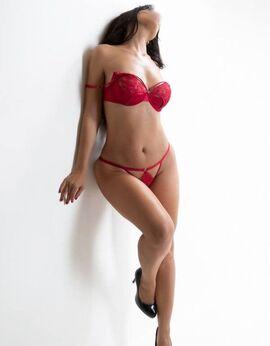 View Sexy Sienna, Sydney Escort | Tel: 0418463133