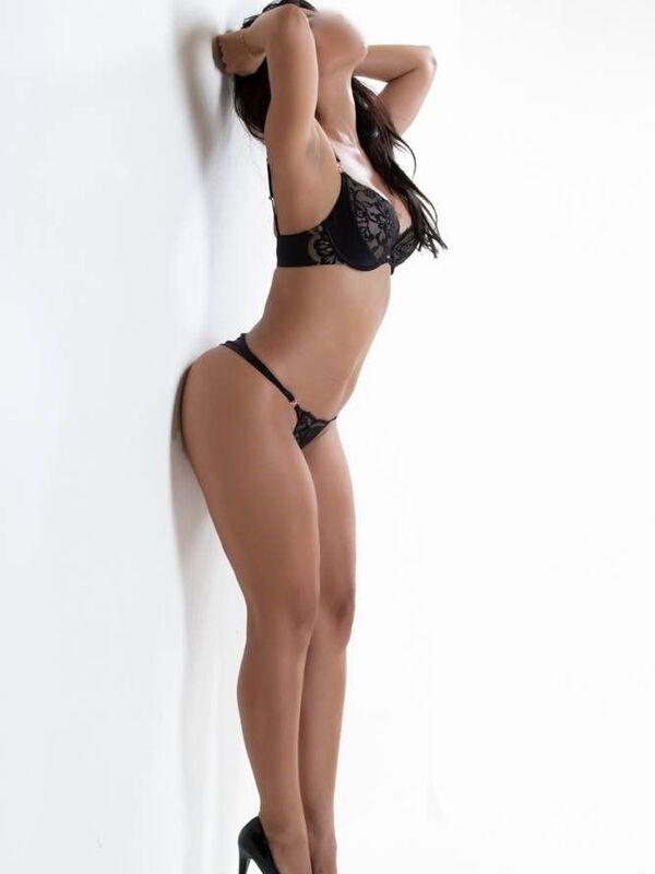 Photo 6 / 12 of Sexy Sienna