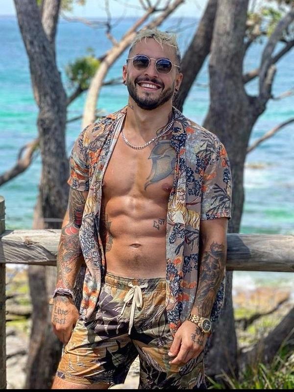 Photo 2 / 7 of Latino