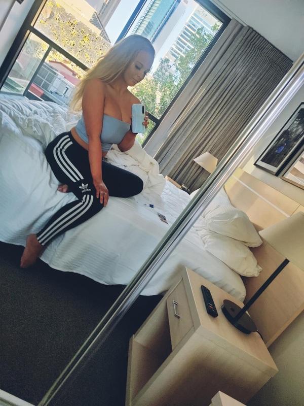 View Chesty Blonde Aussie Babe, Sydney Escort   Tel: 0450414232
