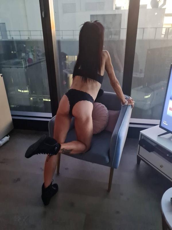 Photo 2 of Sexy Cougar Naughty NickyXX