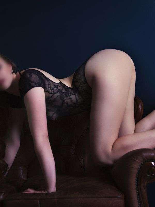 Photo 2 / 9 of Sienna Charles