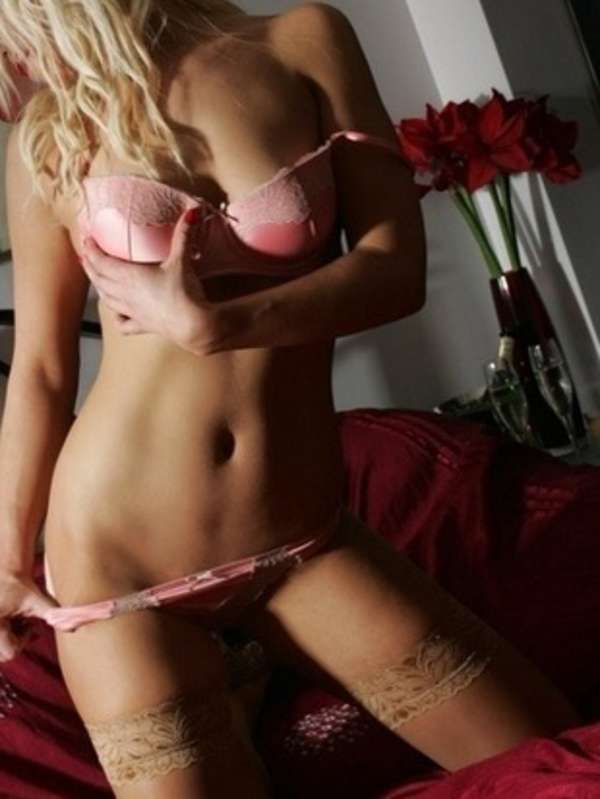 View Blondes duo Hanna amd Gemma, Sydney Escort | Tel: 0412558958