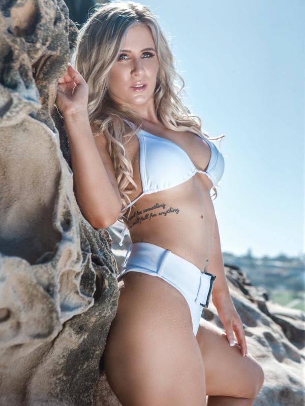 Photo 2 of Zoey Diamond