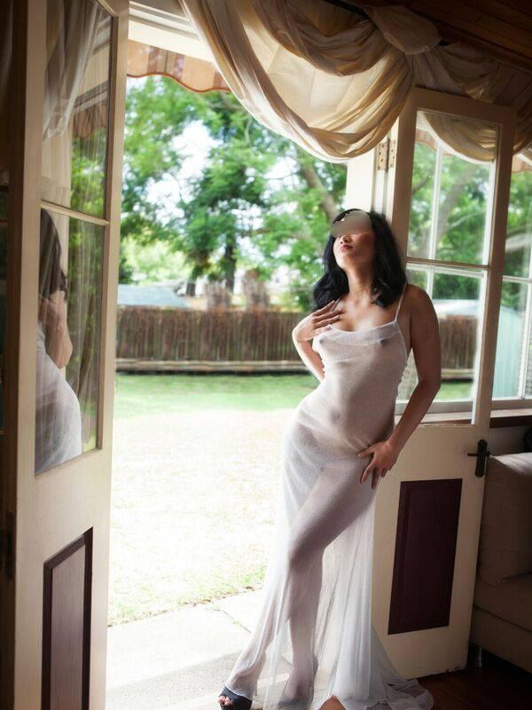 Photo 6 / 7 of Melizsa Lee