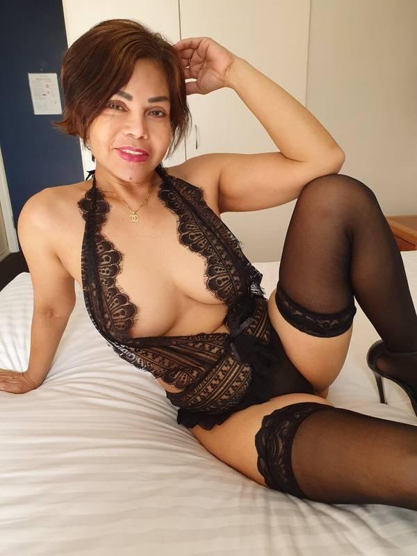 Photo 11 / 13 of Angie