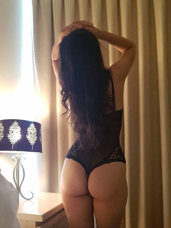 Photo 4 / 6 of Sexy Saliena