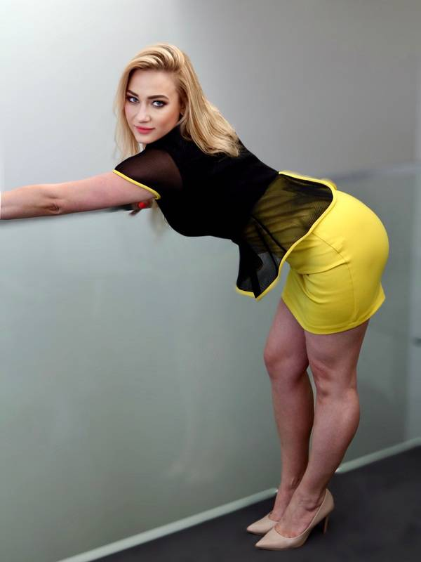 Photo 8 / 17 of Natural Blonde Lena