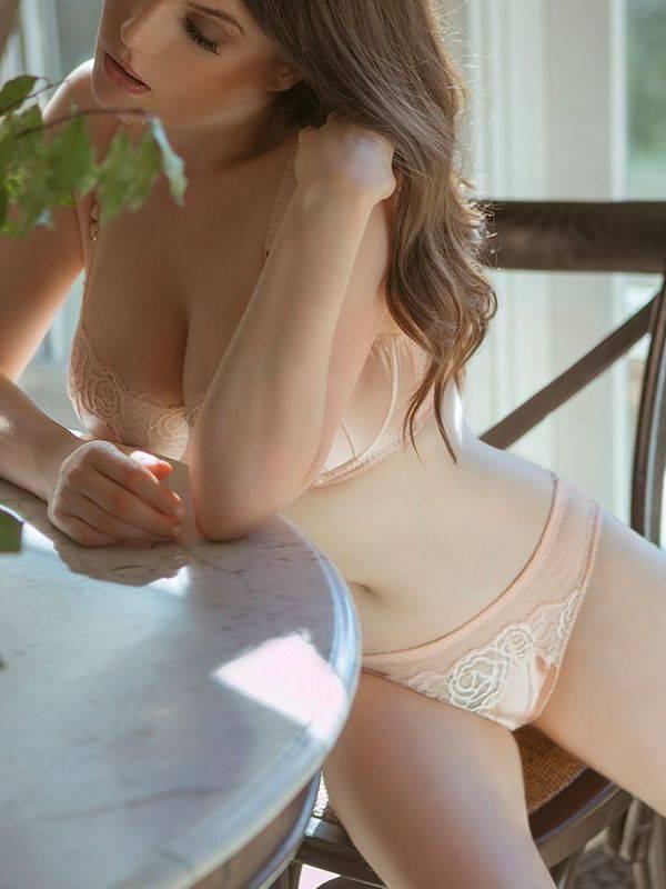 Photo 3 / 7 of Nina Everleigh