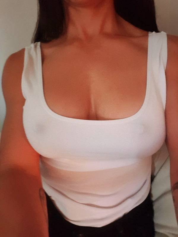 Photo 3 / 9 of Sexy Seductress