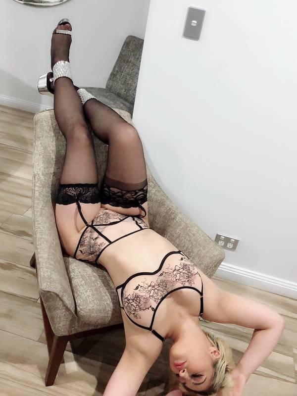 Photo 4 / 6 of Sexy latina