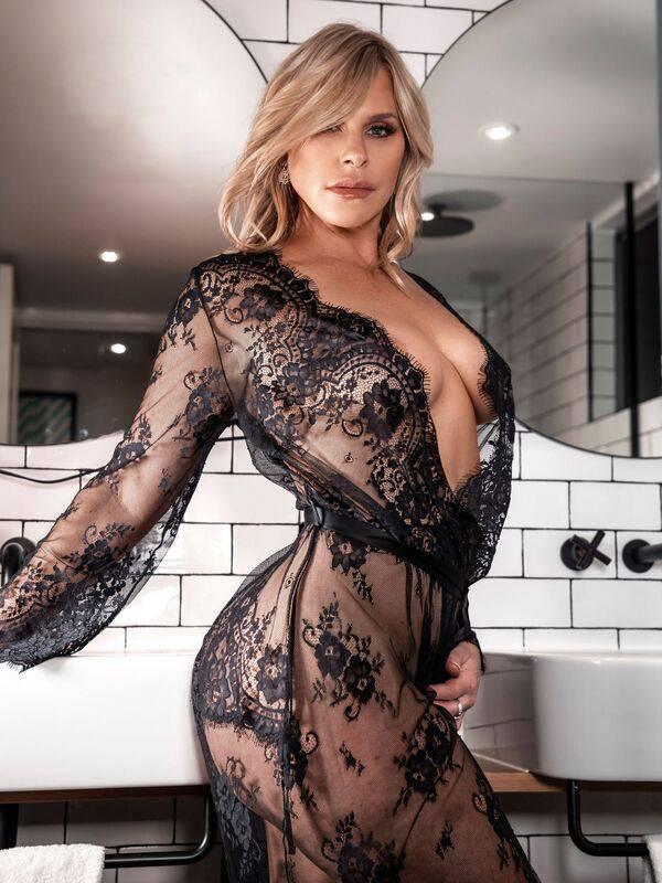 View Natalie Jay, Sydney Escort   Tel: 0435359675