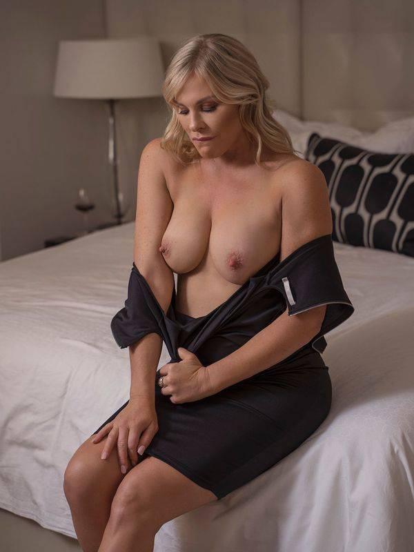 Photo 2 of Natalie Jay