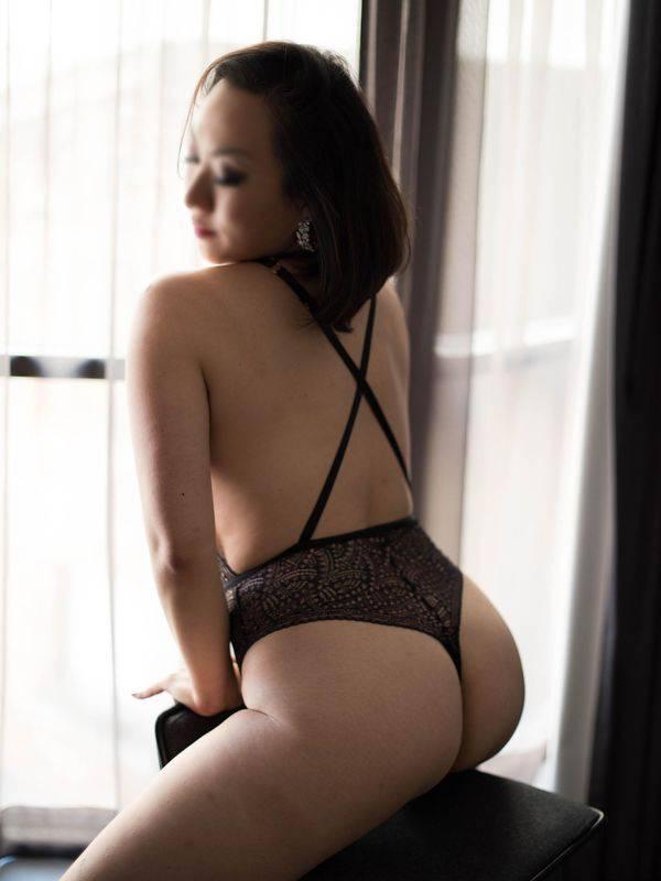 Photo 5 / 11 of Karla Kuang