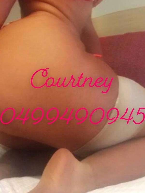 Photo 7 / 9 of Courtneylee