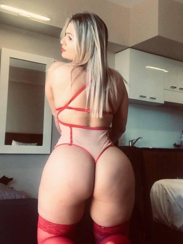 Photo 4 / 11 of Curves Brazilian