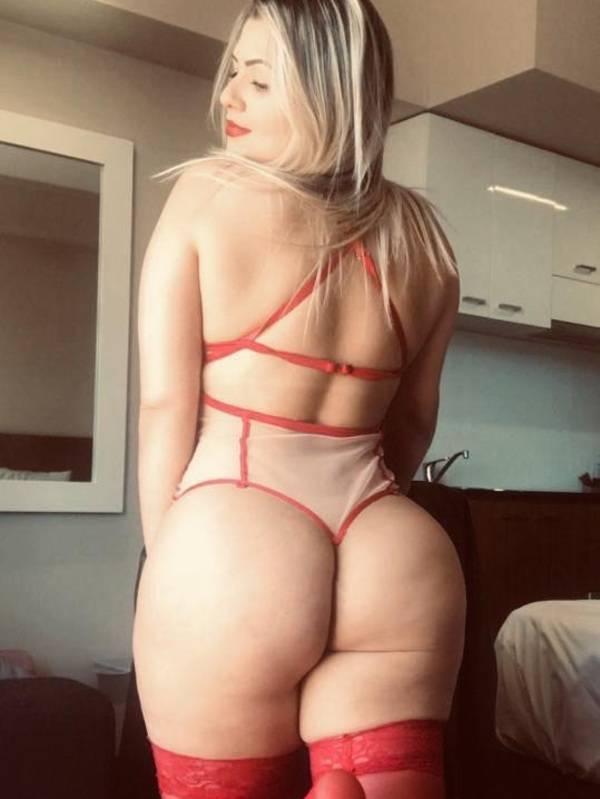 Photo 5 / 11 of Curves Brazilian